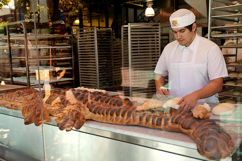 Крокодил из хлеба