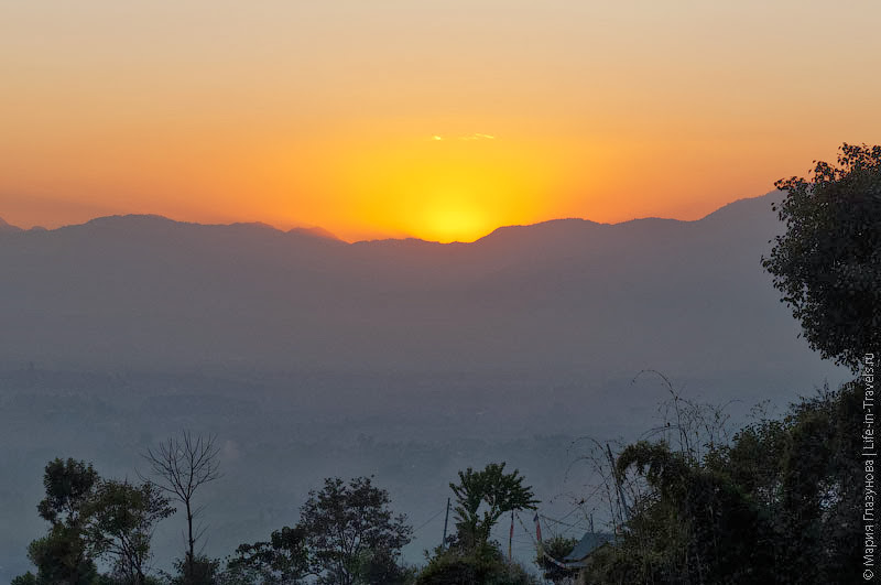 Закат в Непале