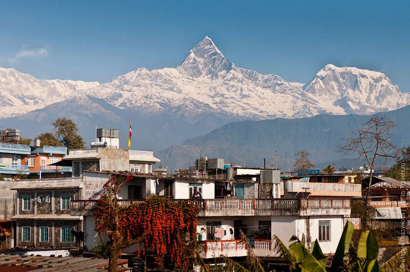 Вид с крыши дома в Непале
