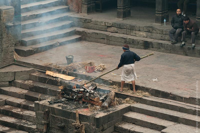 Кремация в Катманду