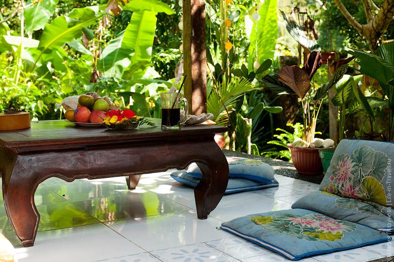 Уютная веранда в доме на Бали