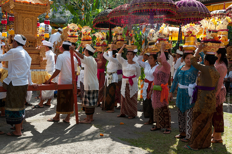 Праздничные обряды в храмах