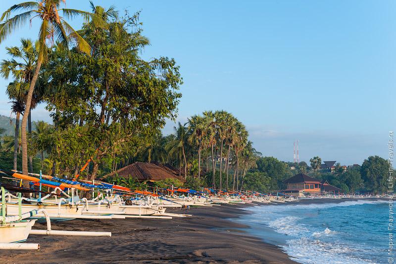 Пляж Амед-Бунутан (Pondok Vienna Beach)