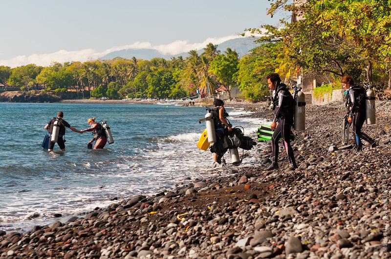 Пляж Туламбен - излюбленное место дайверов