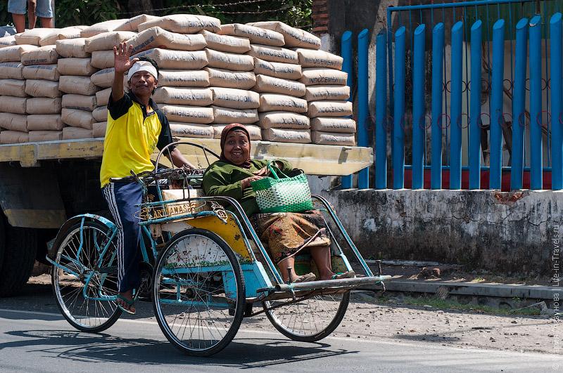 Индонезийские велорикши