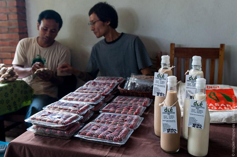 Клубника и домашний йогурт