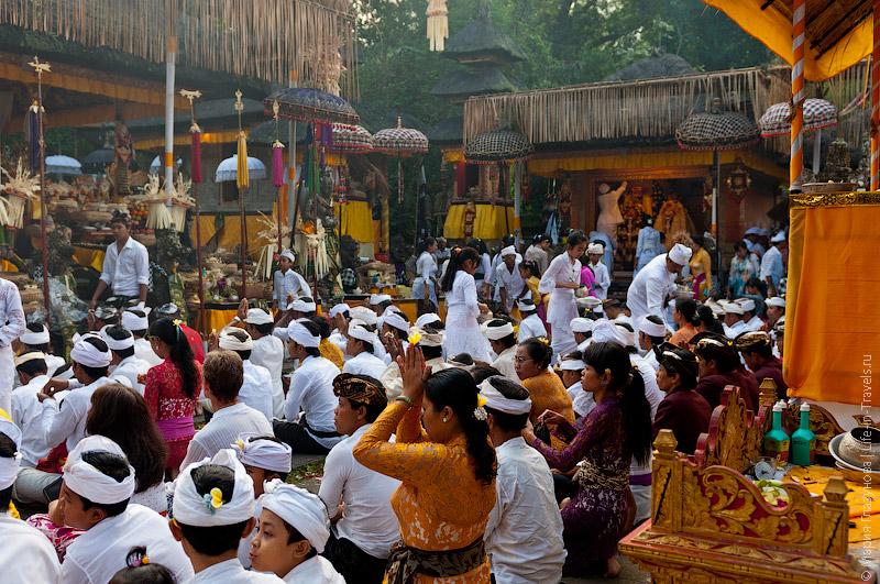 Церемония в храме