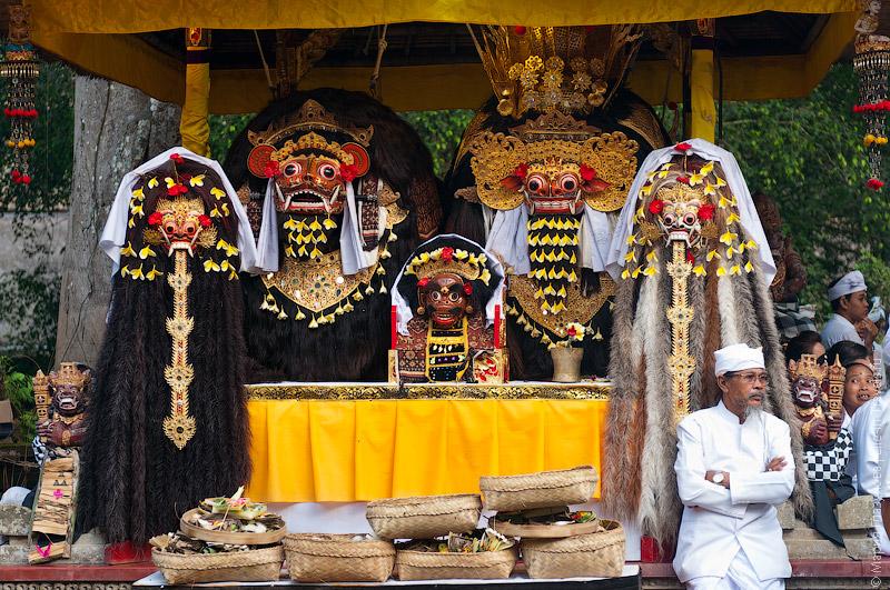 Балийский праздник Сарасвати