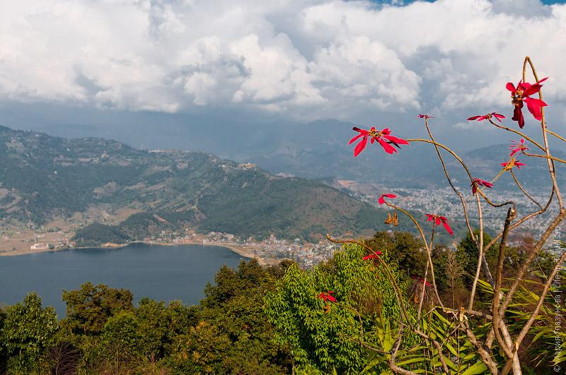 Покхара и озеро Фева