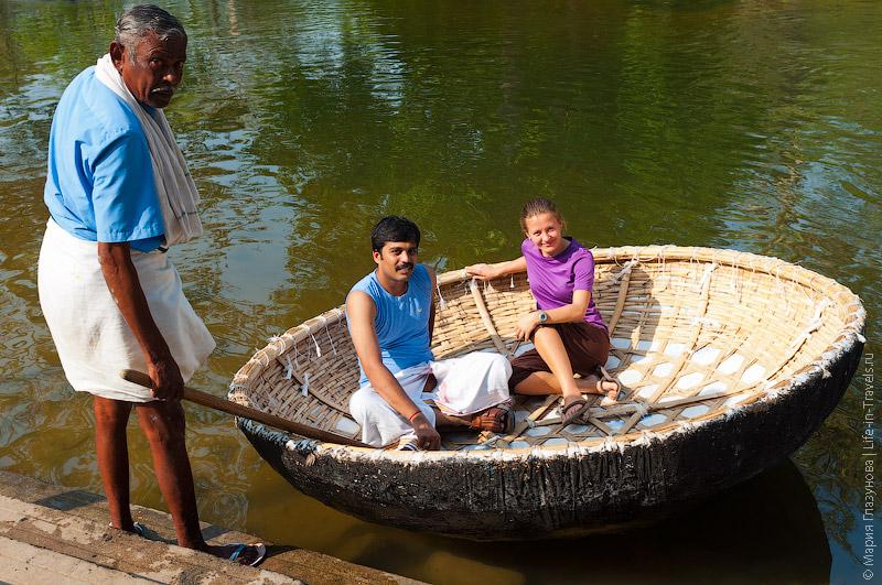 Индийские лодки для переправы