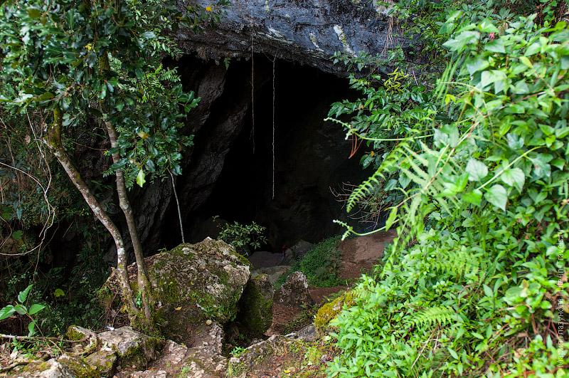 Пещера Sumanging Cave