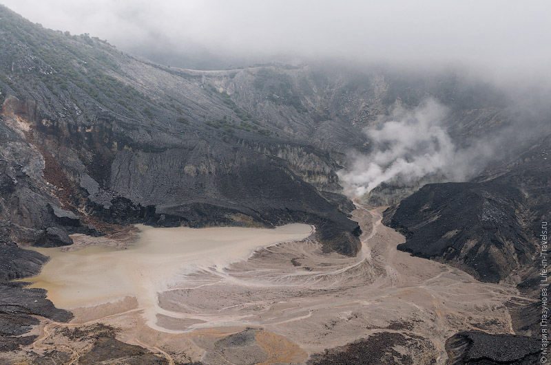 Вулкан Тангкубан Пераху