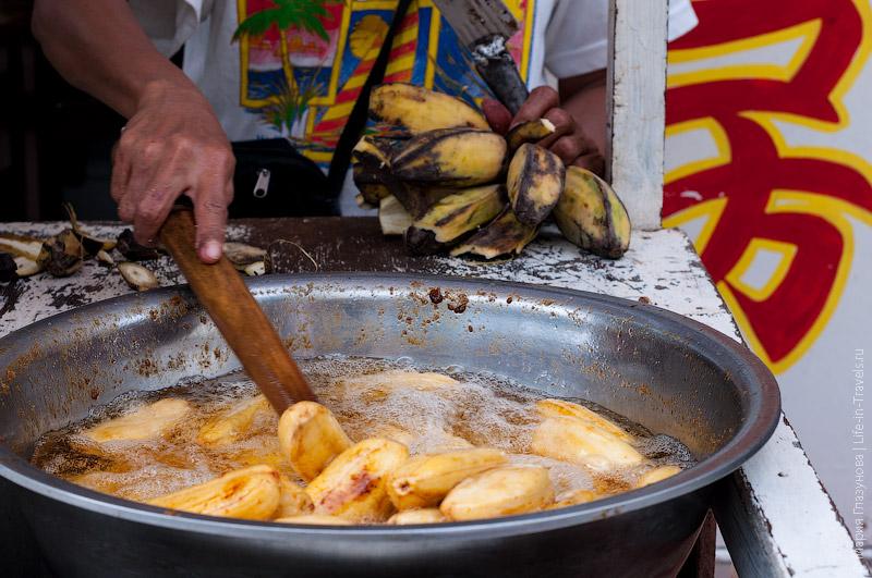 Жаренные в кипящем масле бананы