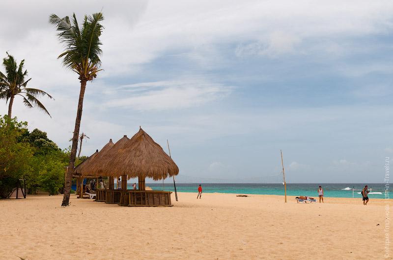 Единственный отель на Puka Beach