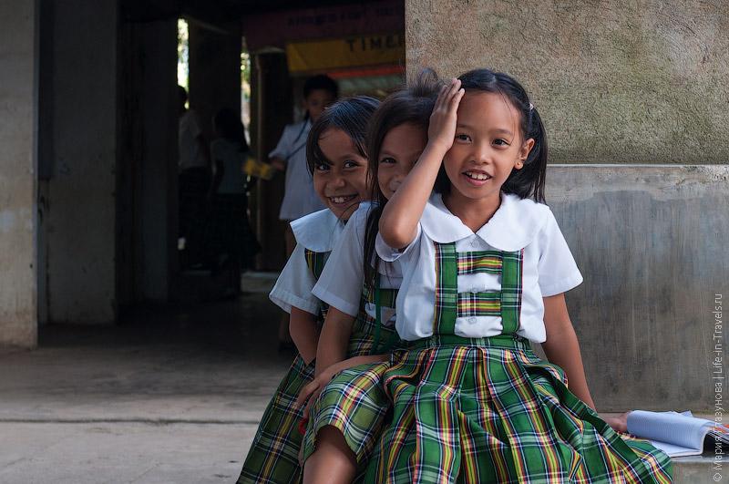 Филиппинские школьники