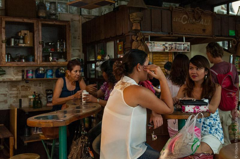 Кофейня в Lee Plaza