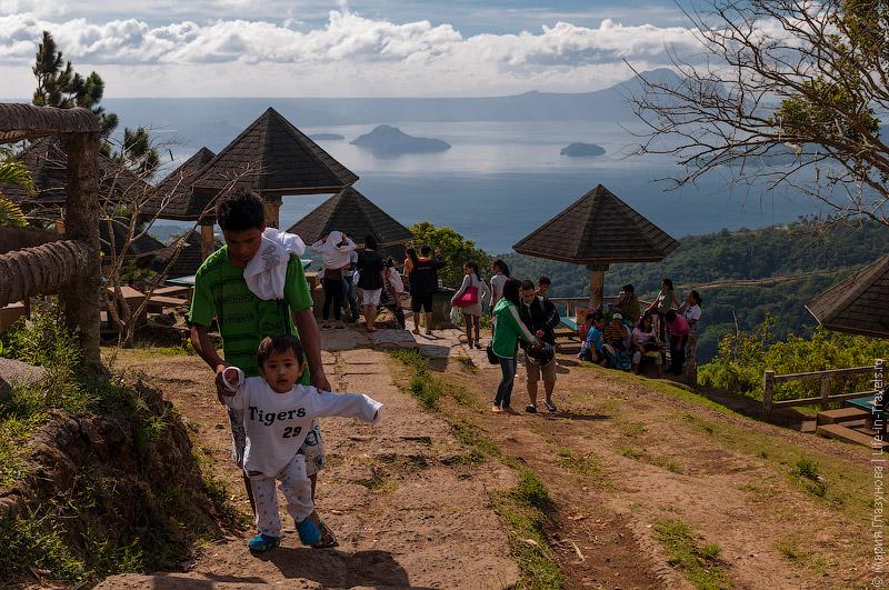 Филиппинские семьи на отдыхе
