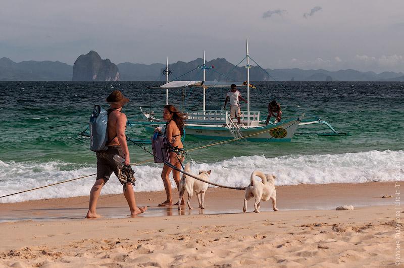 Пляж на острове Дилумакад – Хеликоптер