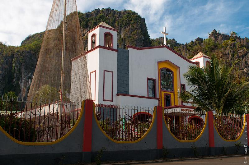 Католическая церковь в Эль Нидо