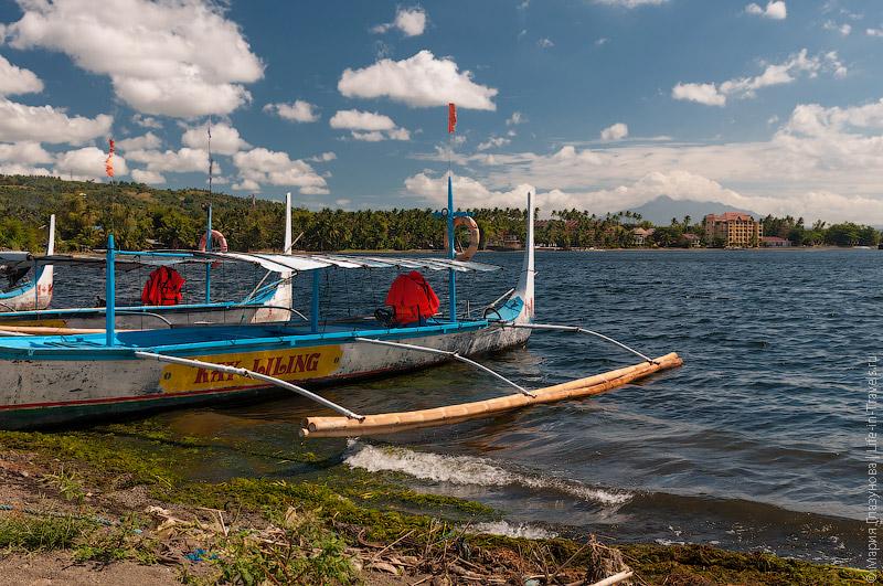 Лодка Талисай-Таал