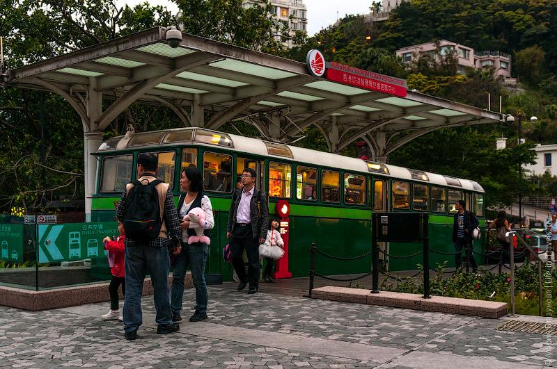Пик Виктория – трамвай-фуникулёр.jpg