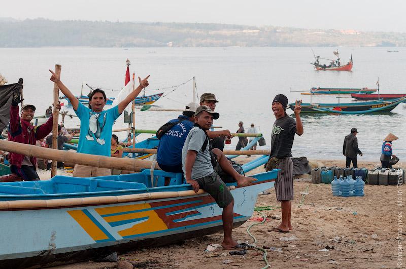 Отдыхающие рыбаки