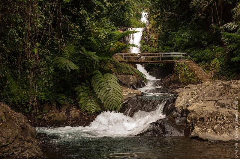 Парк у водопада Гит-Гит