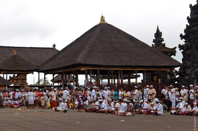 Бале в храме