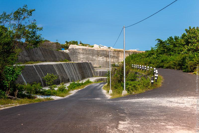 Дорога к пляжу Пандава
