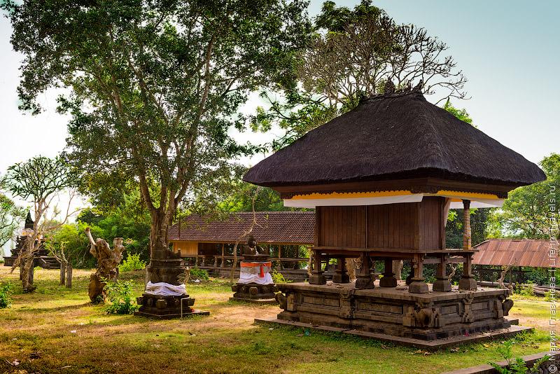 Бали Храм Pura Madya