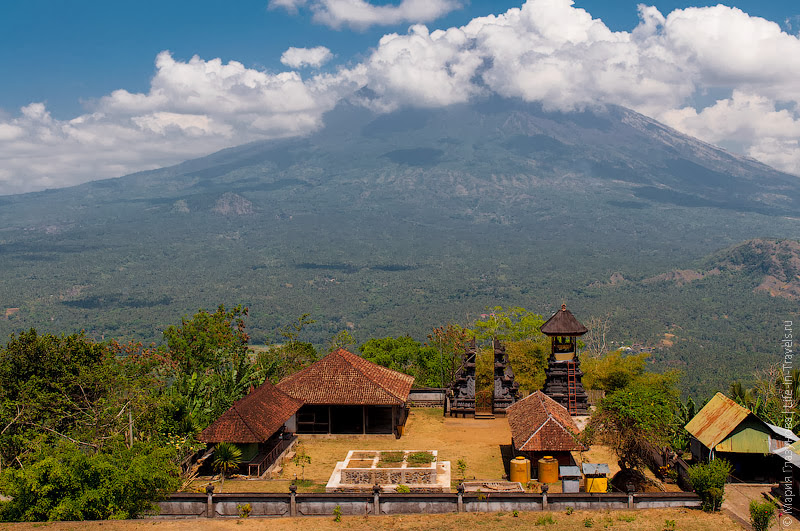 Вид из храма Лемпуянг