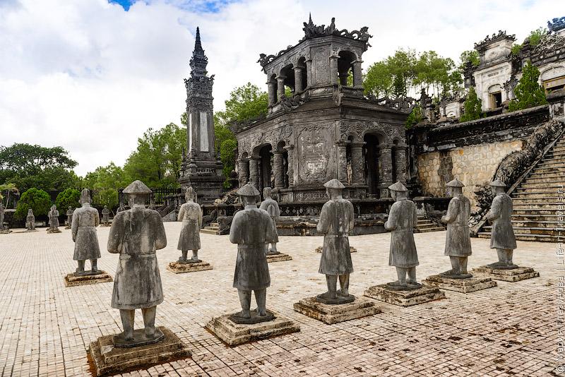Гробницы в Хюэ