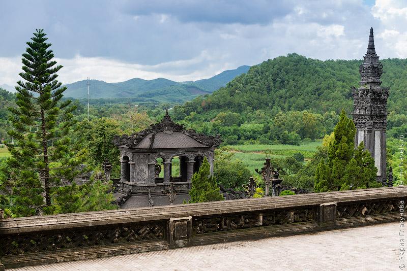Гробница императора Кхай Диня (Khai Dinh)