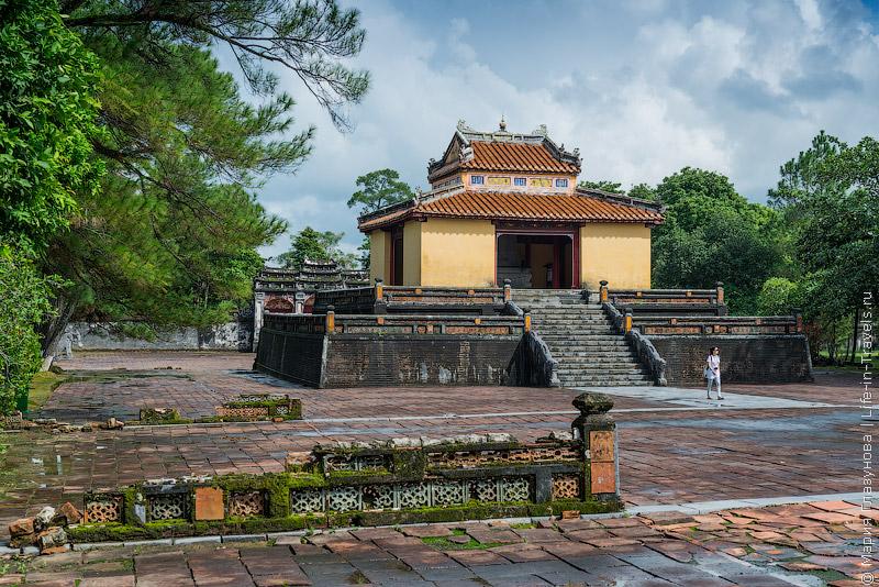 Гробница императора Минь Мана (Minh Mang)