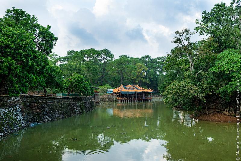 Гробница императора Ты Дыка (Tu Duc)