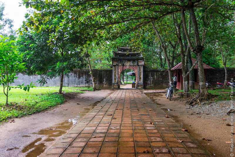 Гробница Минь Мана (Minh Mang Tomb), Хюэ, Вьетнам.jpg