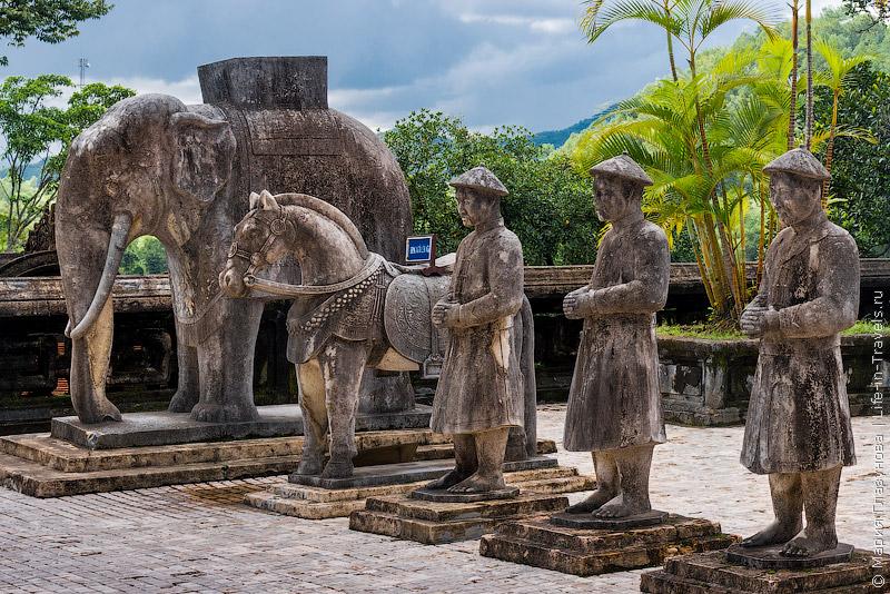 Гробница Кхай Дина (Khai Dinh), Хюэ, Вьетнам