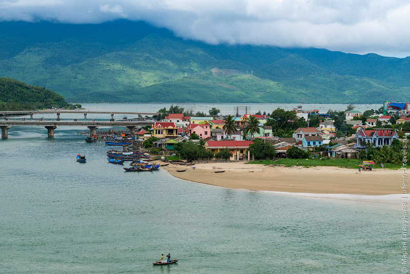 Из Хюэ в Хойан, Вьетнам
