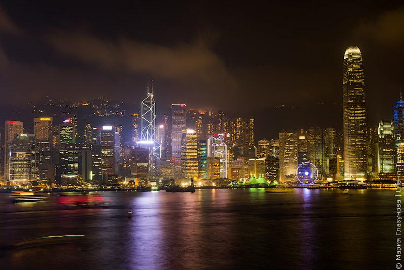 Гонконг в вечерних огнях