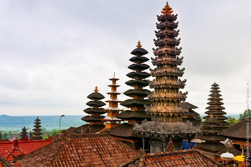 Пура Бесаких, Бали