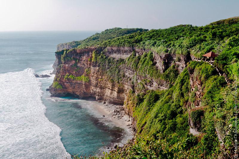 Пура Лухур Улувату, Бали