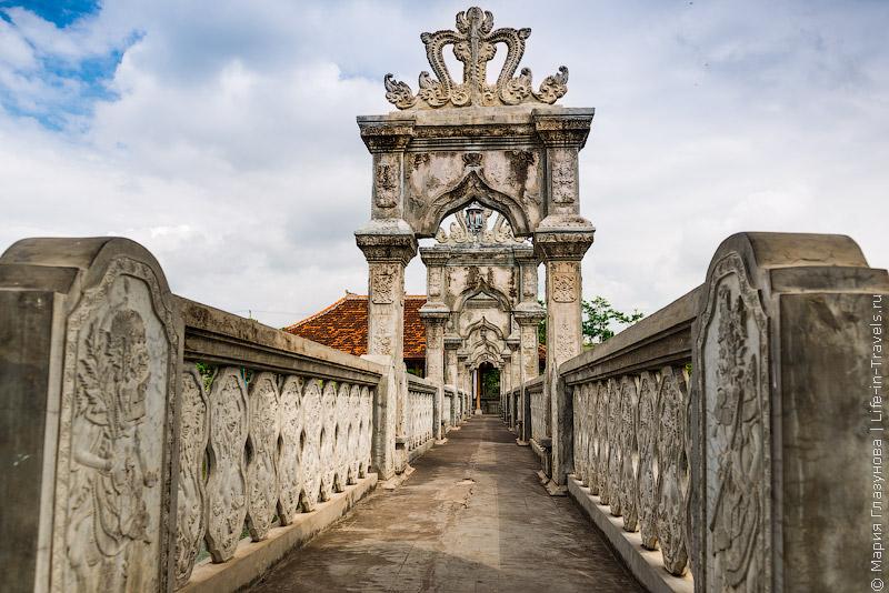 Таман Уджунг (Puri Taman Soekasada Ujung Karangsem Water Palace)