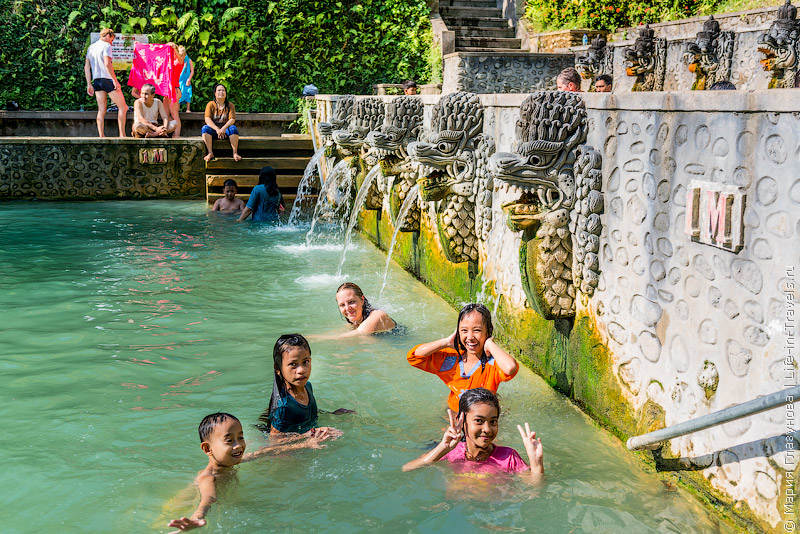 Горячие источники (Holy hot spring) Air Panas Banjar (Эйр Панас Банджар)