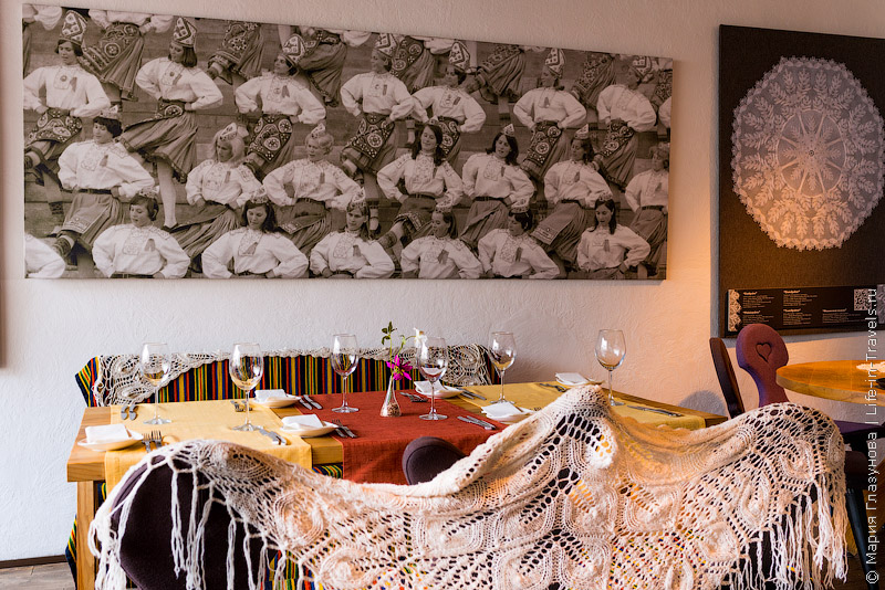 Ресторан Kaerajaan в Таллин – и кормят вкусно и атмосферно