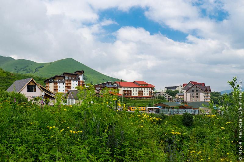 Горнолыжный курорт Гудаури, Грузия.jpg