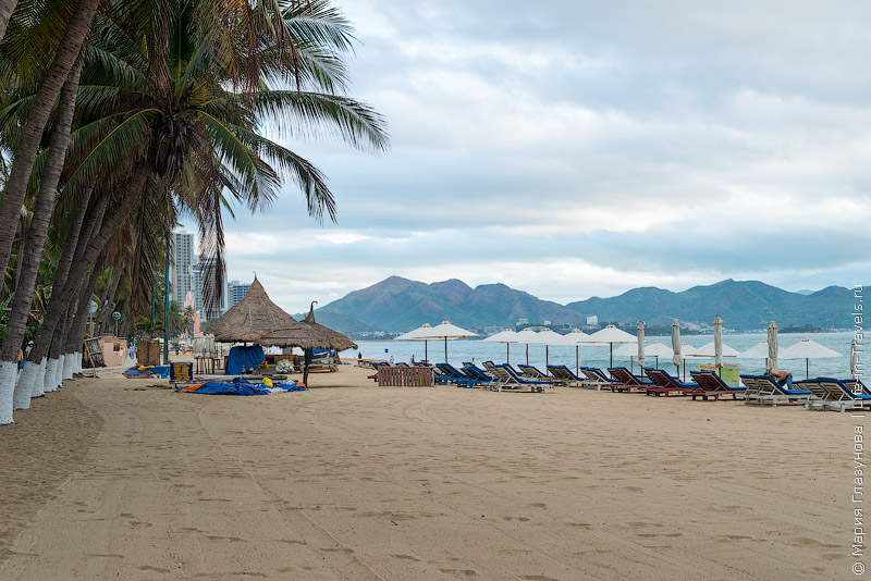 Старушки мини пляж кабина скрытые кадры