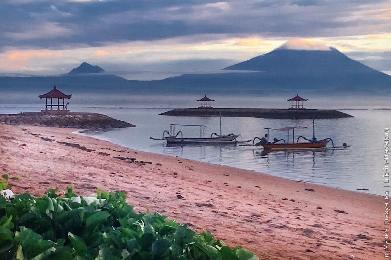Санур – популярный пляж и курорт на Бали