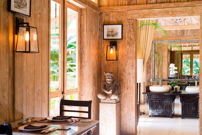 Ресторан Kayumanis в Джимбаране, Бали