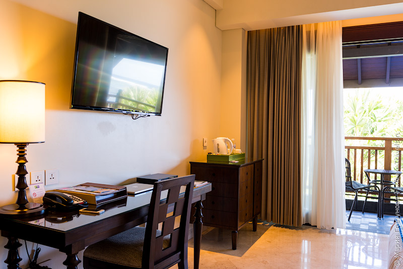 Holiday Inn Resort Bali Benoa – номера с выходом в лагуну-бассейн, Нуса Дуа, Бали