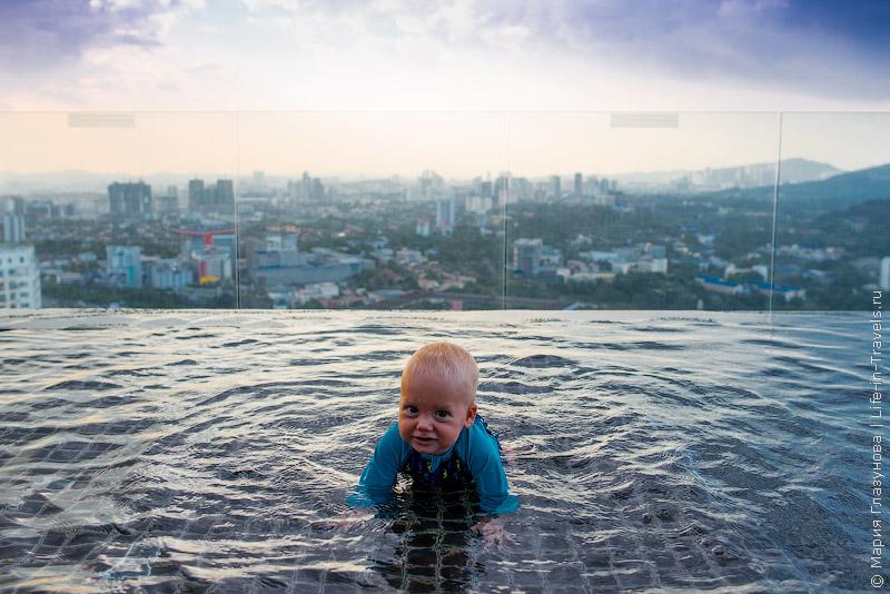 Capri by Fraser в Куала-Лумпуре – комфортные апартаменты шикарным бассейном на крыше